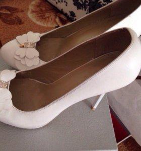 Calipso туфли белые