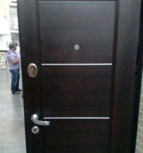 Продается новая дверь