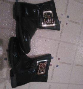 Сапожки и ботиночки