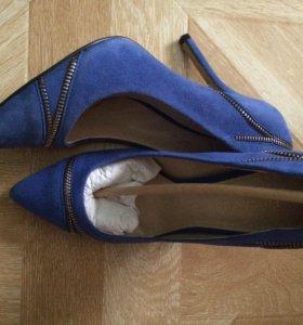 Новые туфли замша 38 синий