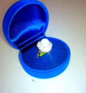 Кольцо с жемчужиной новое
