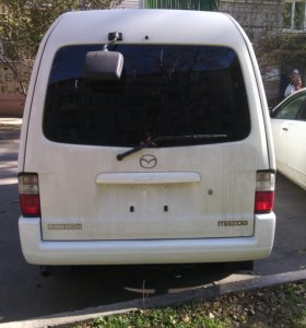 Mazda Bongo. грузоподьемность - 950 кг. 2011 года.
