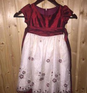 Нарядное детское платье фирмы melody