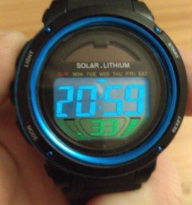 Часы SKMEI на солнечной батарее.