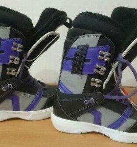 Сноубордические ботинки Vans (женские)