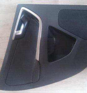 Обшивка двери на Volvo Xc60