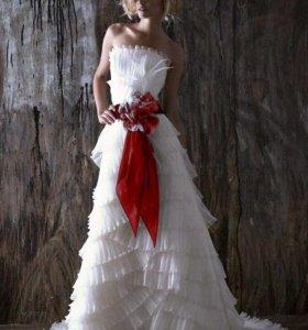 Новое Свадебное платье с красным поясом