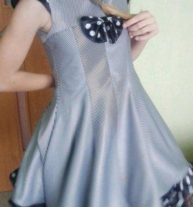Празднечное платье на девочку 10-11лет