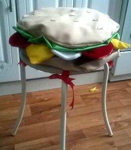 Подушки гамбургеры на стулья