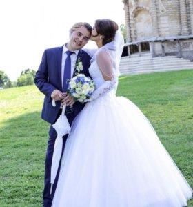 Шикарное свадебное платье,пышное,с кольцами)