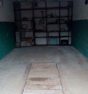 Срочно продам охраняемый кирпичный гараж