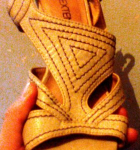 Туфли , боссоножки на каблуке