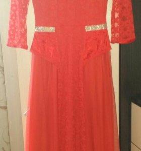 Вечерний,очень красивое длинное платье