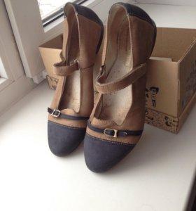 Туфли школьные 37р