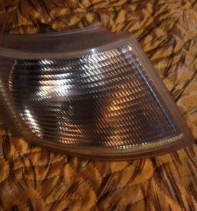 Правый поворотники фары от ваз 2110