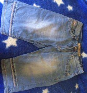 Продаётся джинсы  300₽ и бриджи 300₽