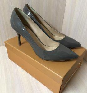Туфли лодочки натуральная кожа лак серый