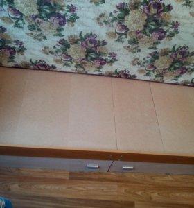 Кровать с матрацем и двумя выдвижными ящиками
