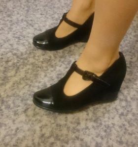 Туфли замшевые женские 35 размер
