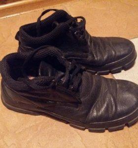 Мужские ботинки б/у рр.43