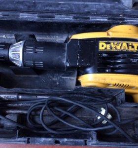 Отбойный молоток DeWALT D25899