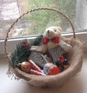 Новогодняя подарочная корзина мишка 20*22см