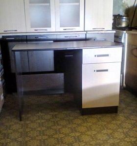 Продам новый письменный стол