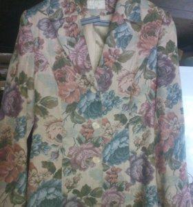 Пиджак женский. Продаю, потому что самой велик