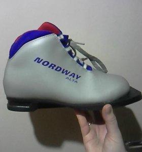 Лыжные ботинки 75 мм 34 р