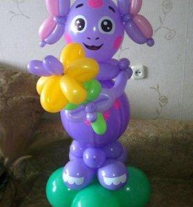 Лунтик из шаров с цветочком