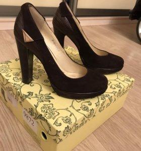 Туфли замшевые с кожаными вставками