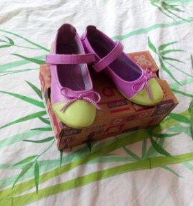 Новые Туфли на девочку на 4- 5лет