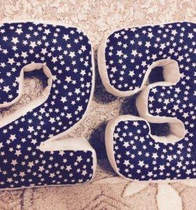 Буквы- подушки и цифры- подушки