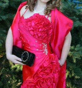 Красивое платье на торжество (выпускной)