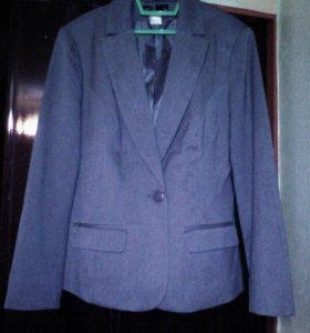 р44-46 Костюм женский новый, пиджак и брюки