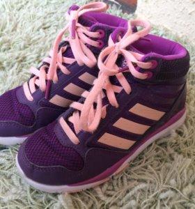 Кроссовки Adidas р. 29