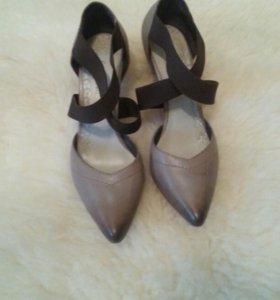 Новые туфли Carnaby