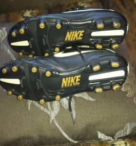 Бутсы  Nike 39р