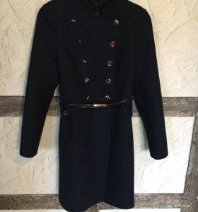 Пальто шерстяное.Новое