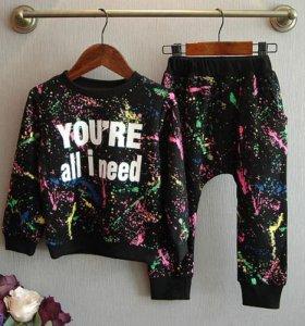 Комплект кофта и штаны новый