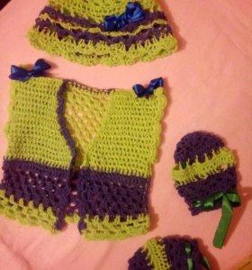 Детские вязаные кофточки,шарфики и шапочки
