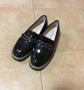 Ботиночки (лоферы) новые