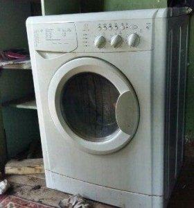 Продам стиральную машину indesit на запчасти
