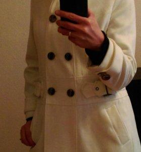 Пальто-белое
