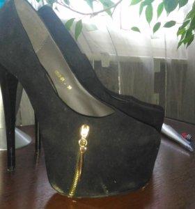 Туфли 38-38.5 размер