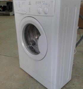 Узкая стиральная машина INDESIT WIUN102