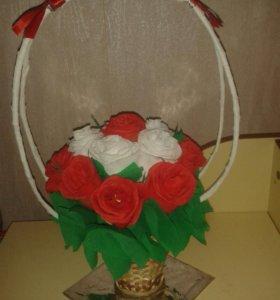 Букет из конфет. 15 роз.