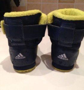 AdidasСапожки-ботинки