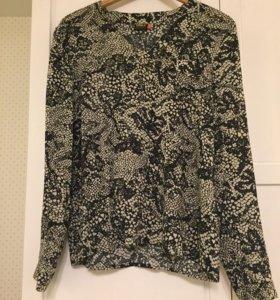 Блузка с черно-белым рисунком
