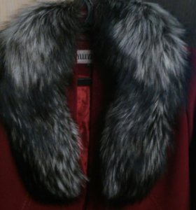 Пальто новое.